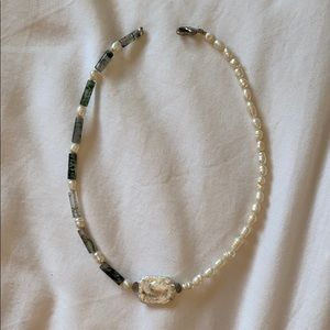 Pearl necklace with green stone